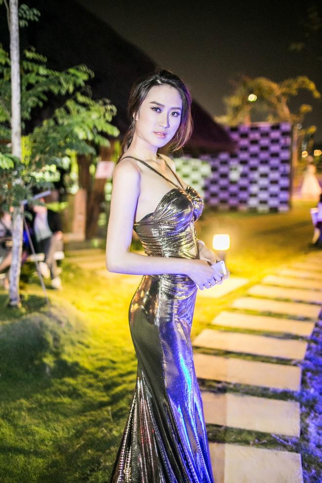 Vo Hoang Yen noi bat giua dan my nhan Viet hinh anh 9