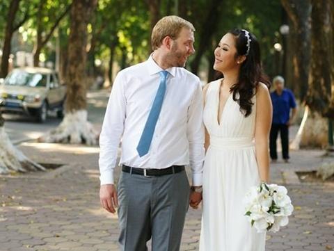 Ngo Phuong Lan: 'Vo chong toi chua co ke hoach sinh con' hinh anh 2 Vợ chồng Ngô Phương Lan trong ảnh cưới.