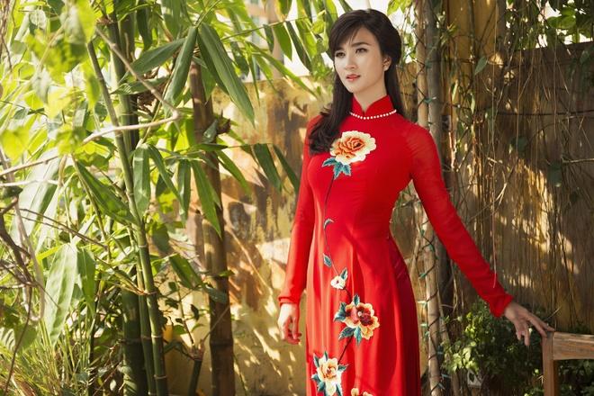 My nhan 'Tuoi thanh xuan' nen na ao dai dip le 30/4 hinh anh
