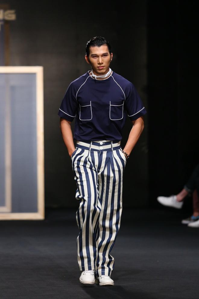 Quang Hung Next Top Model dien do ngu tren san catwalk hinh anh 4