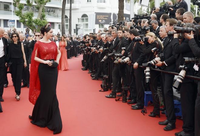 Ly Nha Ky phai tu ui do de sai buoc tham do Cannes hinh anh