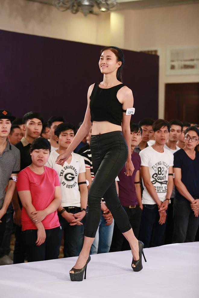 9X cao 1,9 m duoc Thanh Hang dua thang vao vong trong hinh anh 7