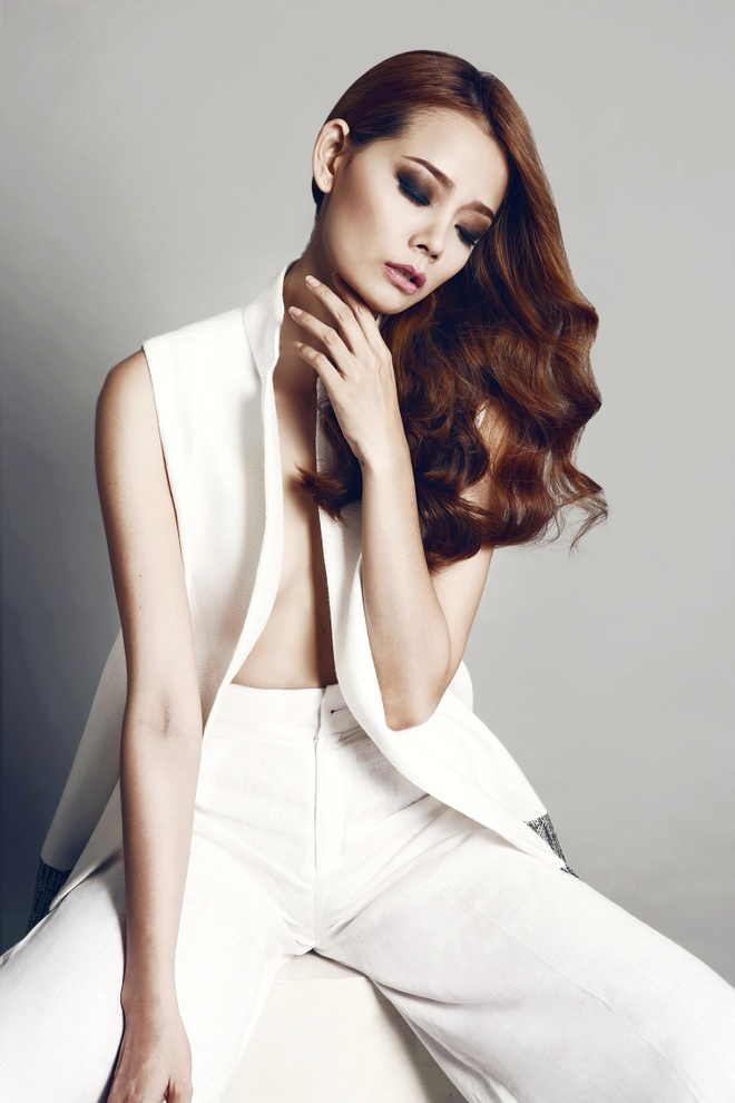 Hoang Oanh Next Top Model dien mot khong noi y hinh anh 2