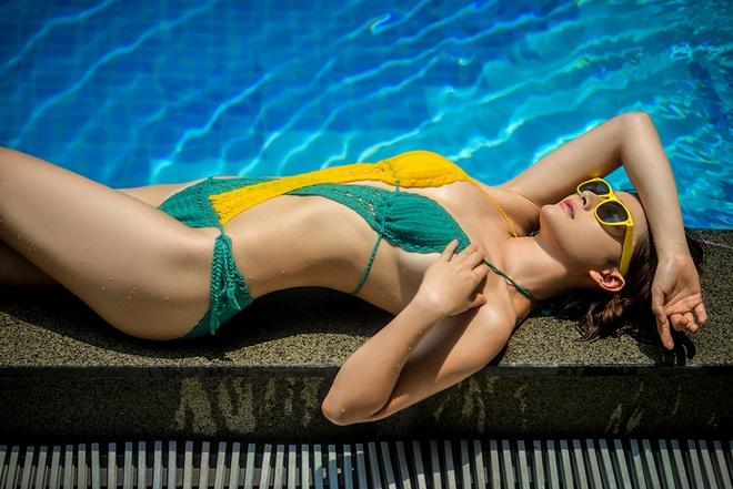Lan Phuong khoe voc dang goi cam voi bikini len hinh anh 3