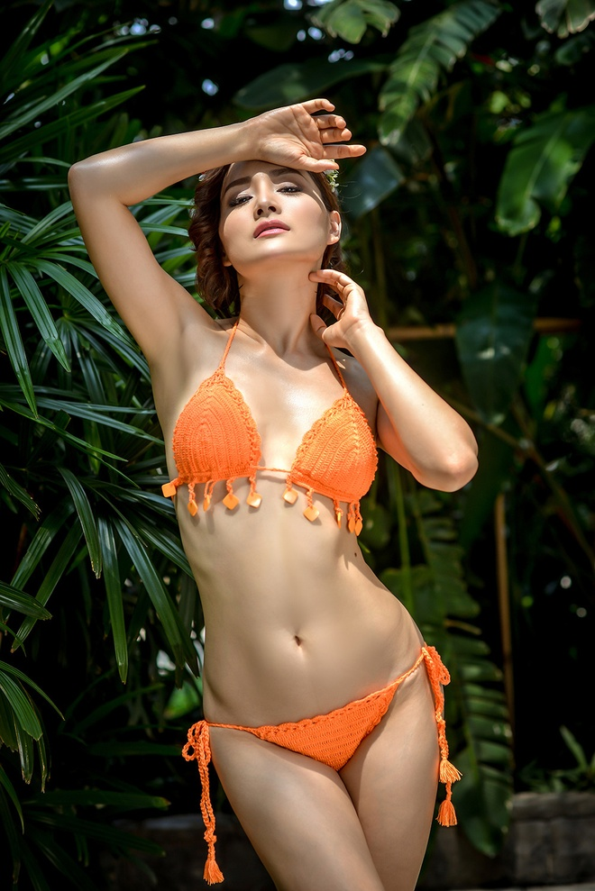 Lan Phuong khoe voc dang goi cam voi bikini len hinh anh 4