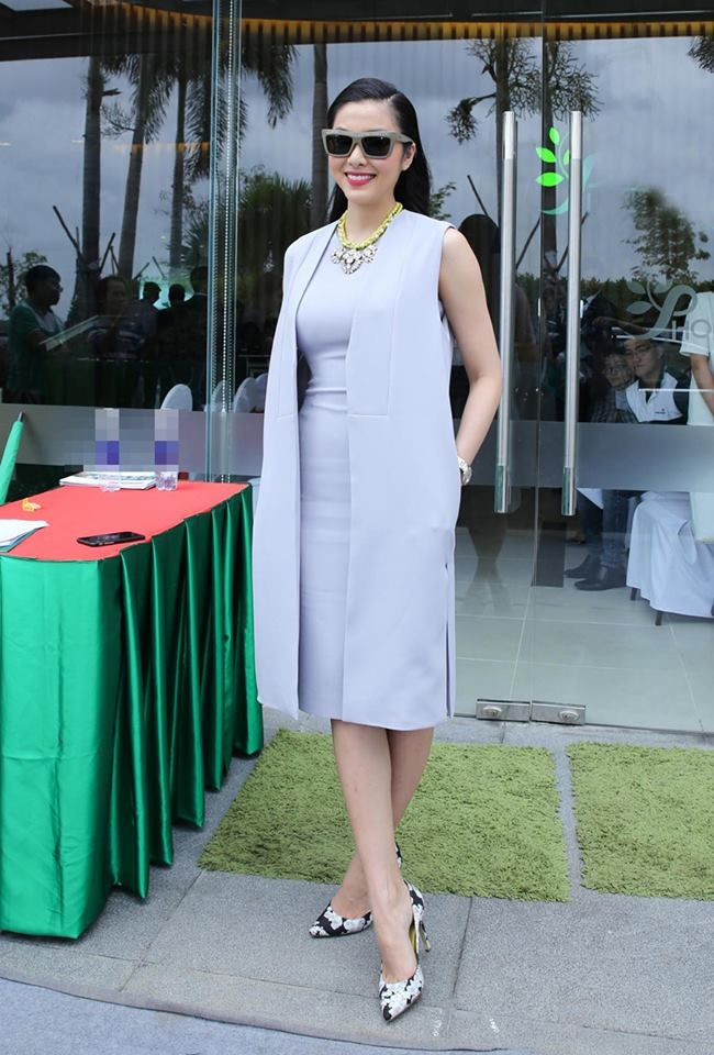 Tang Thanh Ha lan dau di su kien sau sinh con hinh anh 7 Phong cách thời trang sang trọng, thanh lịch phù hợp với hình tượng người đẹp doanh nhân mà Tăng Thanh Hà đang hướng đến.