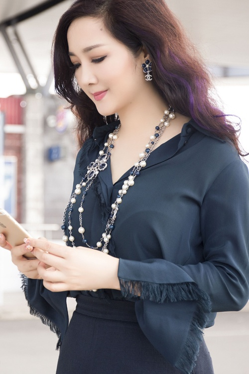 Sao Viet lam moi phong cach voi toc nhuom ombre hinh anh 3