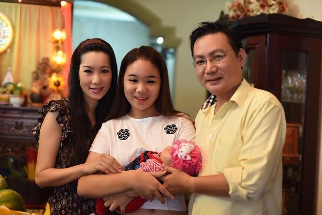 Vo chong Trinh Kim Chi lam day thang cho con gai thu hai hinh anh 5