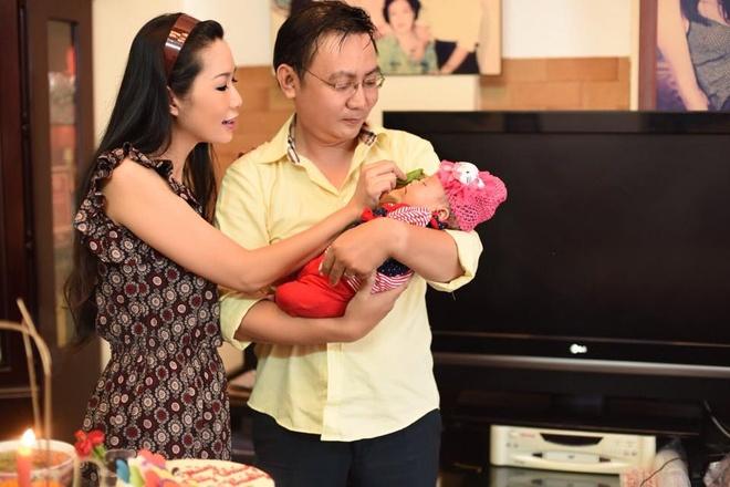 Vo chong Trinh Kim Chi lam day thang cho con gai thu hai hinh anh 1