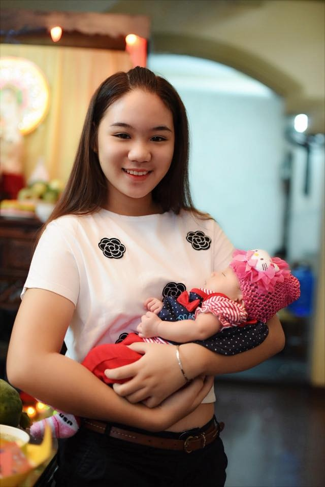 Vo chong Trinh Kim Chi lam day thang cho con gai thu hai hinh anh 4