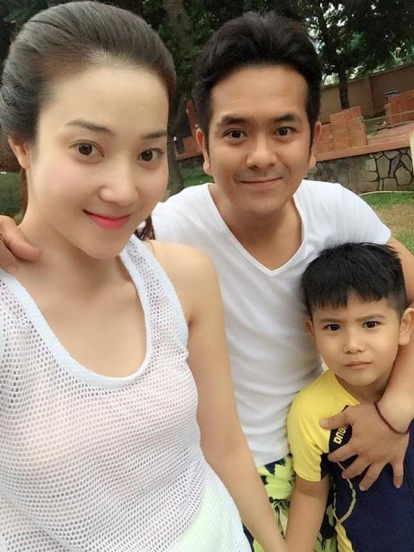 Hung Thuan dua vo hot girl di bien trong ngay sinh nhat hinh anh 1