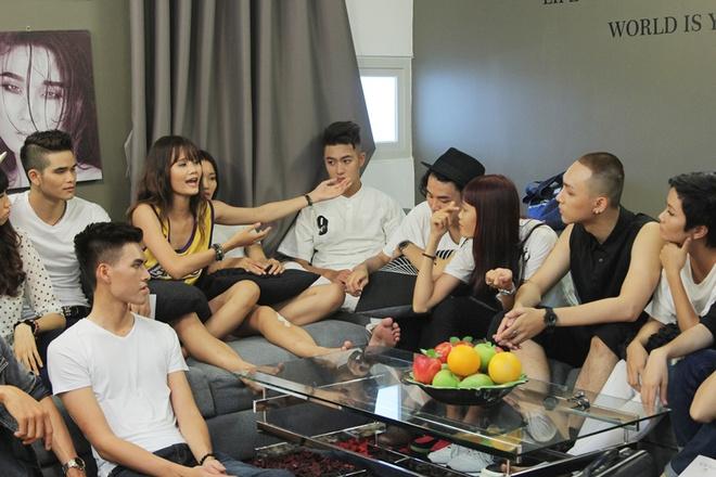 Thi sinh Next Top ngat xiu khi Thanh Hang che catwalk xau hinh anh 5