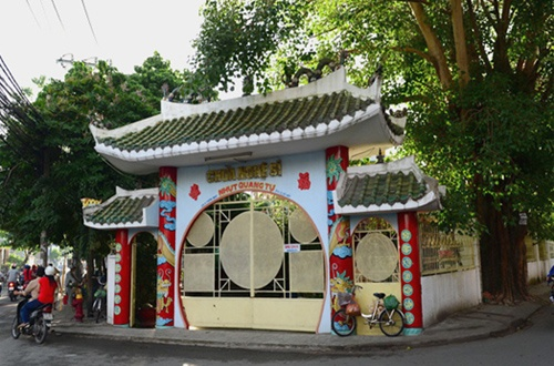 Chùa Nghệ Sĩ là ngôi chùa duy nhất ở Việt Nam thờ các nghệ sĩ quá cố.
