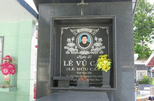 Mộ nghệ sĩ Lê Vũ Cầu.