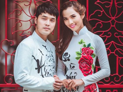 Vo chong Ung Hoang Phuc dien ao dai doi chup anh tinh tu hinh anh