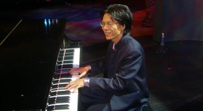Nguyen Quang: 'Bat ngo voi thai do trich thuong cua ca si' hinh anh