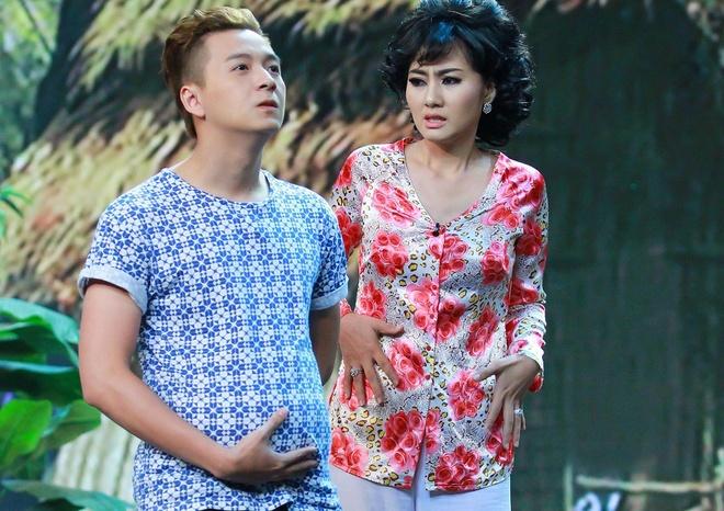 Ngo Kien Huy mang bau o Hoi quan tieu lam hinh anh