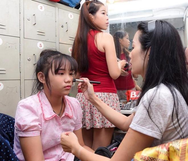 Trinh Kim Chi lan dau gioi thieu con gai o su kien hinh anh 1