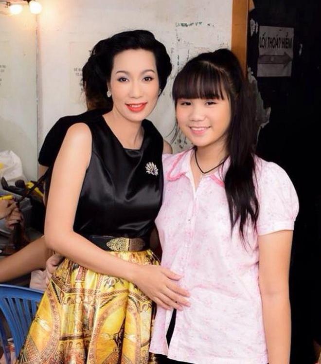 Trinh Kim Chi lan dau gioi thieu con gai o su kien hinh anh 2