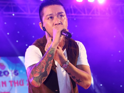 Tuan Hung tat bat chay show truoc chung ket The Voice hinh anh
