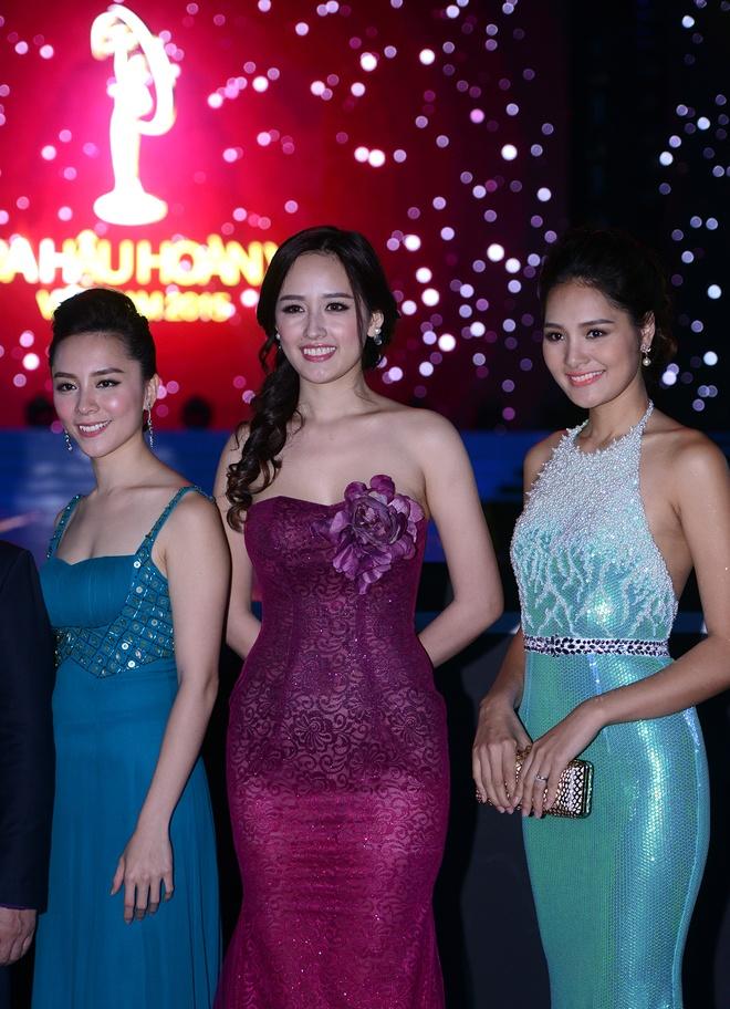 Mai Phuong Thuy thay hai bo dam goi cam tren tham do hinh anh 4