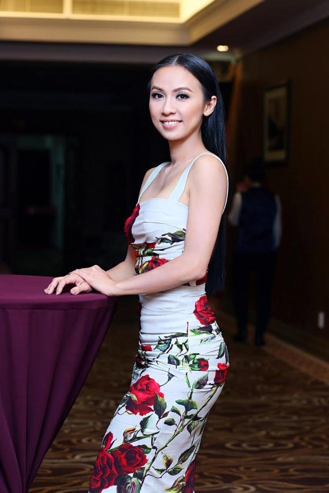 MC Huyen Ny: 'Toi suyt chet trong lan sinh doi con gai' hinh anh 2