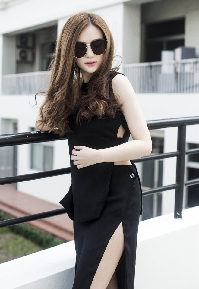 Street style thanh lich cua Thu Thuy hinh anh 4