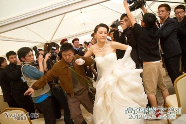 Nhung sao Hoa ngu vo duyen tren man anh hinh anh 2 Trong Romancing in the Thin Air, Cao Viên Viên cũng chạy trốn khỏi hôn lễ với Cổ Thiên Lạc.