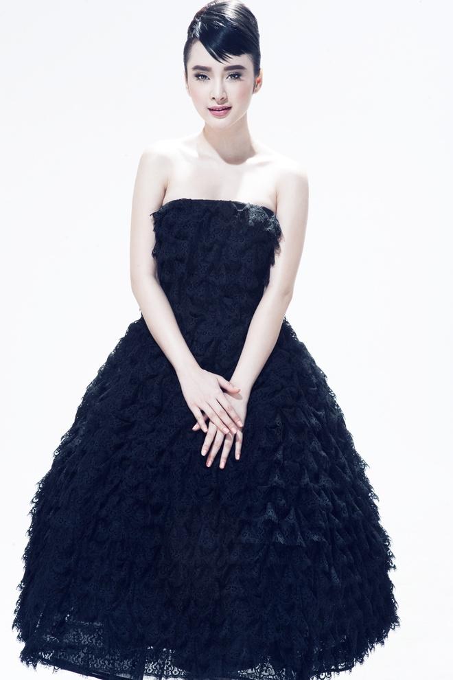 Angela Phuong Trinh trang diem giong Audrey Hepburn hinh anh 1