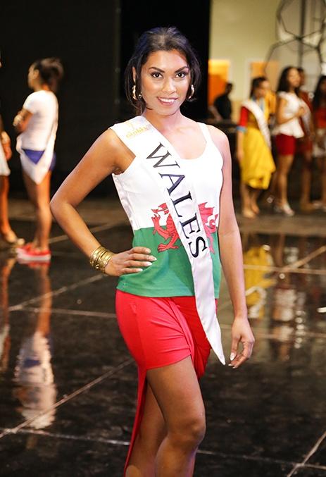 Ha Anh day catwalk cho thi sinh Miss Global 2015 hinh anh 6