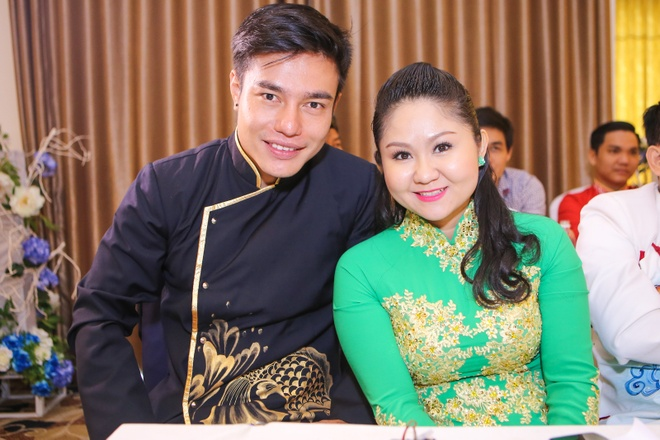 Dai Nghia che hoa hau hai Thu Trang hat cai luong kho nghe hinh anh 11
