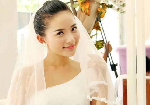 Phan Nhu Thao va chong cu Ngoc Thuy bi mat lam le an hoi hinh anh