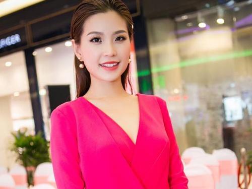 A hau Diem Trang: 'PR dam cuoi la mot tro he' hinh anh