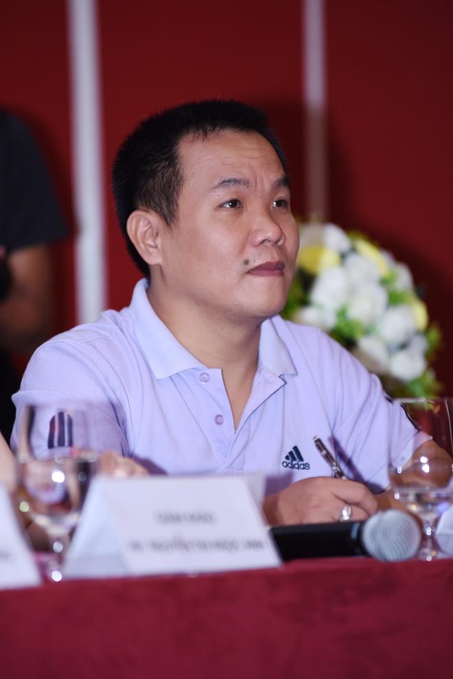 In Chua Vang len ta ao dai - Sang tao cung co nhung gioi han hinh anh 1