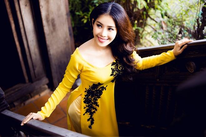 Hoa khoi Nam Em dien ao dai co thuyen nu tinh hinh anh 8