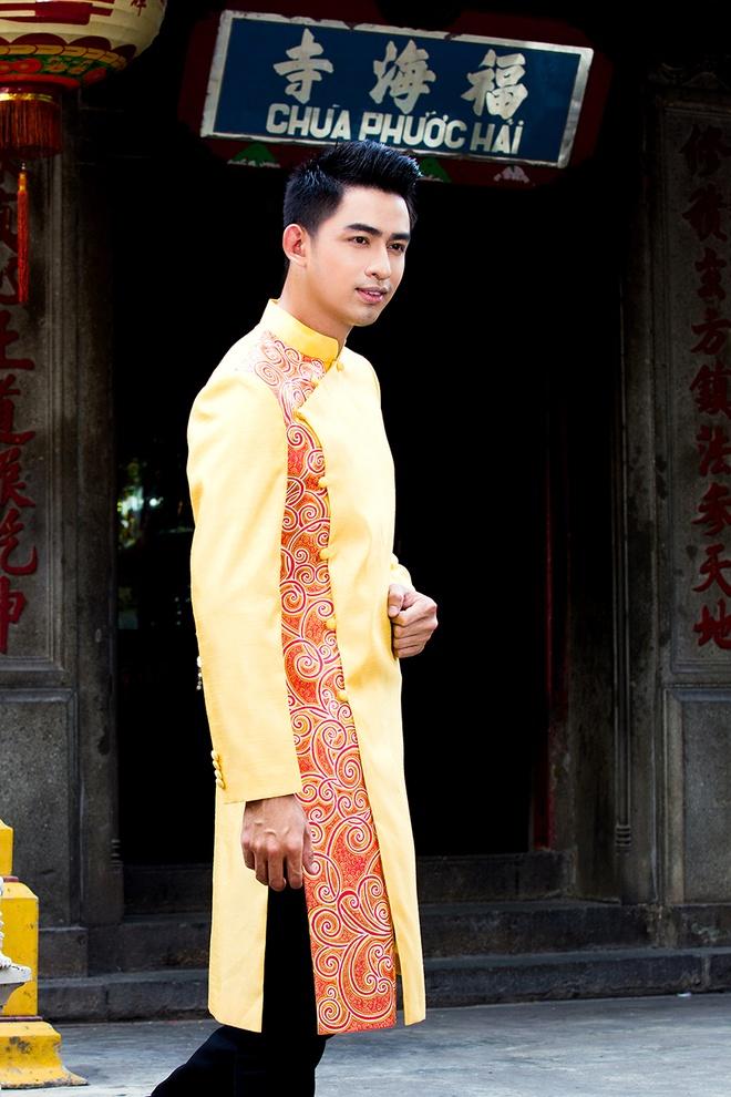Hoang Long gioi thieu 5 mau ao dai cho phai manh hinh anh 3