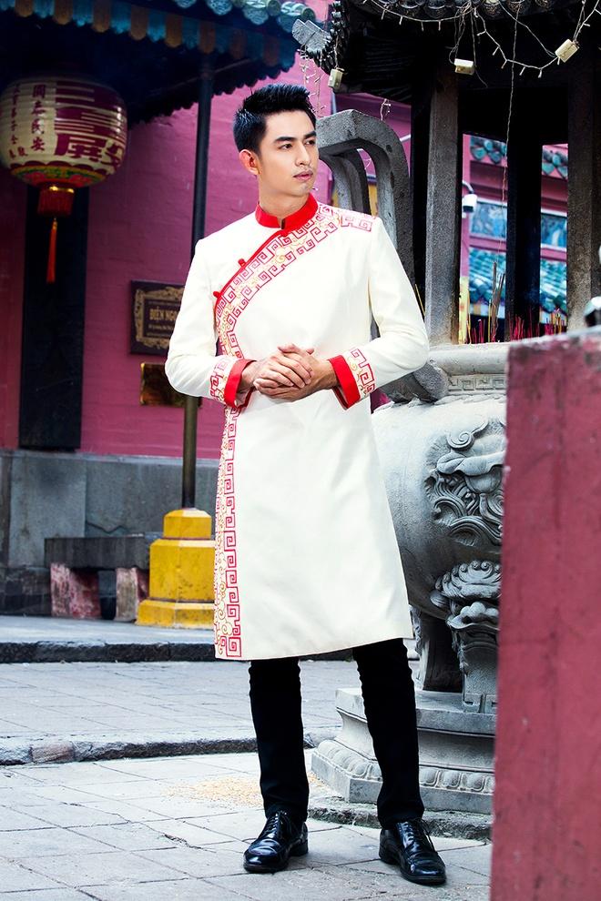Hoang Long gioi thieu 5 mau ao dai cho phai manh hinh anh 5