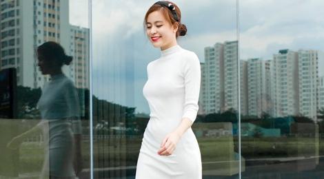 Hoang Thuy Linh xuong pho voi 5 set do hop mot hinh anh