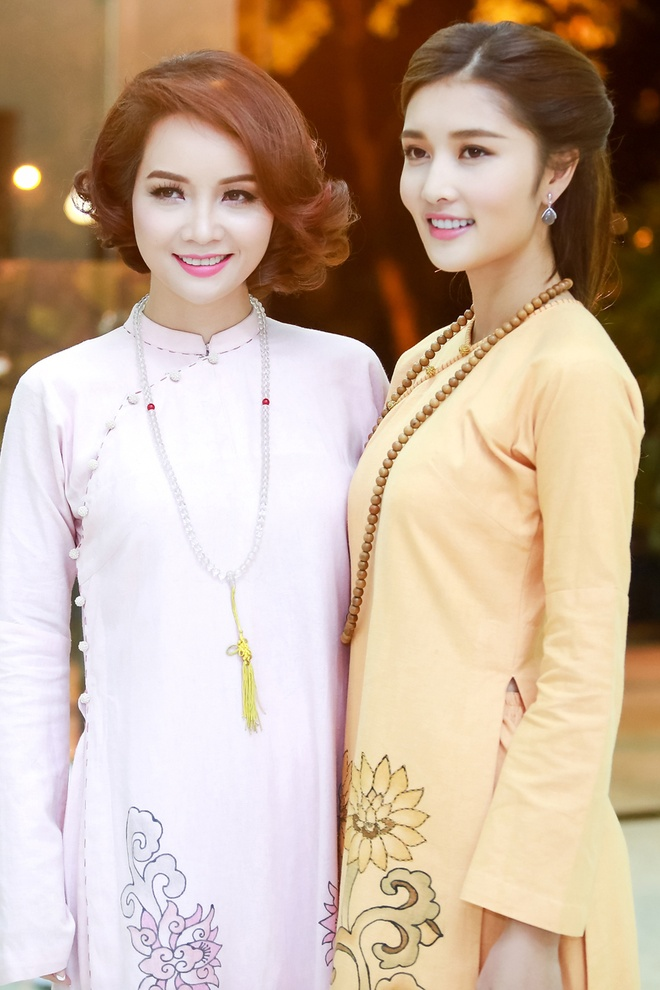 Trieu Thi Ha, Mai Thu Huyen dien thoi trang ao dai Phat tu hinh anh 5