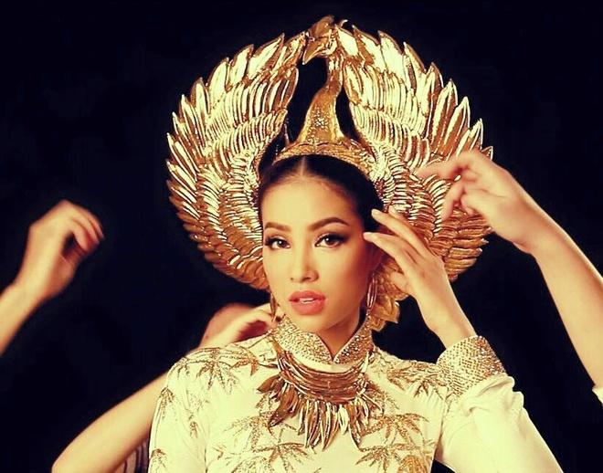 Quoc phuc cua Pham Huong o Hoa hau Hoan vu 2015 hinh anh 1