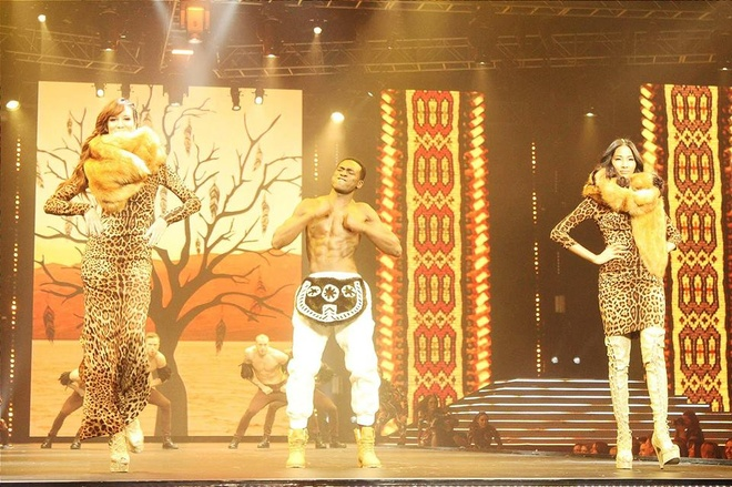 Hoang Thuy tham gia show dien cua Dolce & Gabbana hinh anh 1