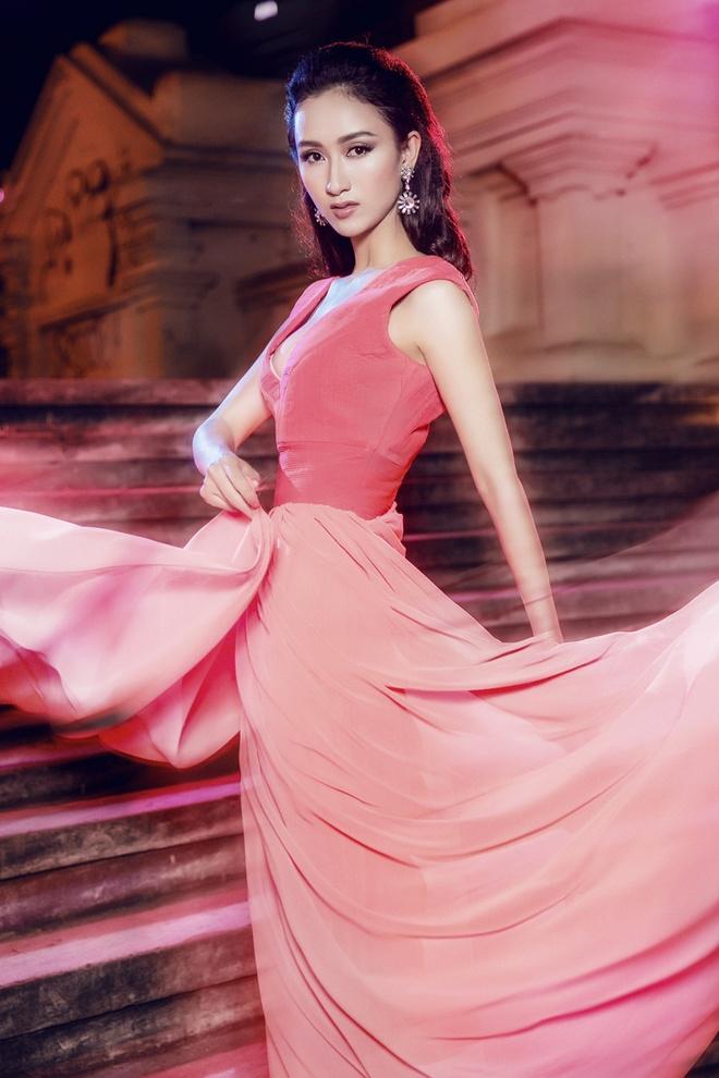 Ha Thu mang 4 vay da hoi thi Hoa hau Lien luc dia 2015 hinh anh 2