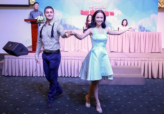 Jennifer Pham, Hong Que tham gia Buoc nhay hoan vu 2016 hinh anh 12