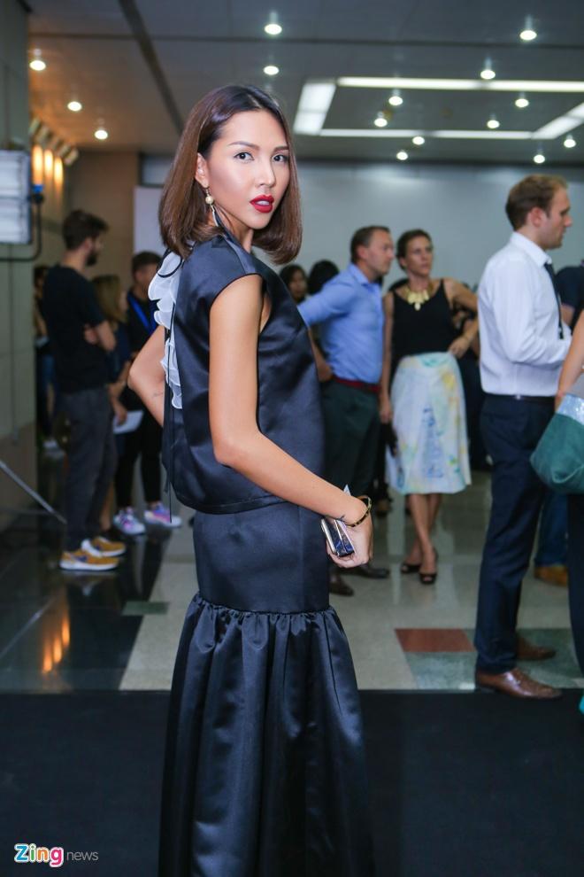 Ngo Thanh Van dien cay trang noi bat o show thoi trang hinh anh 11
