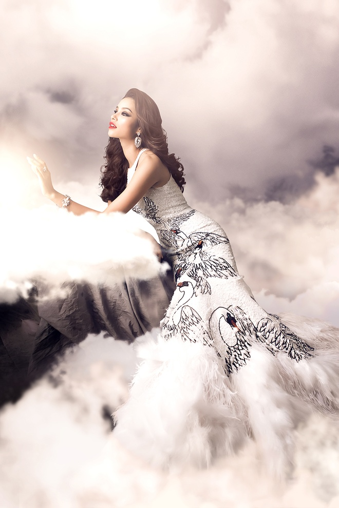 Hai vay da hoi duoc Pham Huong mac tai Miss Universe hinh anh 5