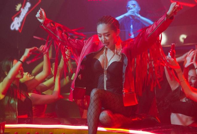 Toc Tien hop tac cung Hoang Touliver trong MV mua le hoi hinh anh 1