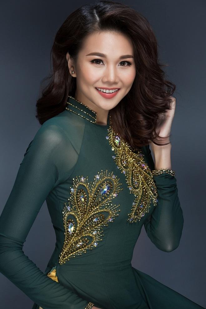 Thanh Hang goi y 3 mau ao dai dien trong ngay dau nam hinh anh 1