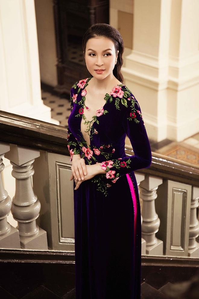 MC Thanh Mai gioi thieu 6 mau ao dai ket hoa xuan hinh anh 3