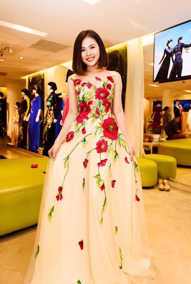 Ong xa doanh nhan dua Van Trang di thu ao dai cuoi hinh anh 8