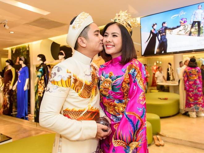 Ong xa doanh nhan dua Van Trang di thu ao dai cuoi hinh anh 6